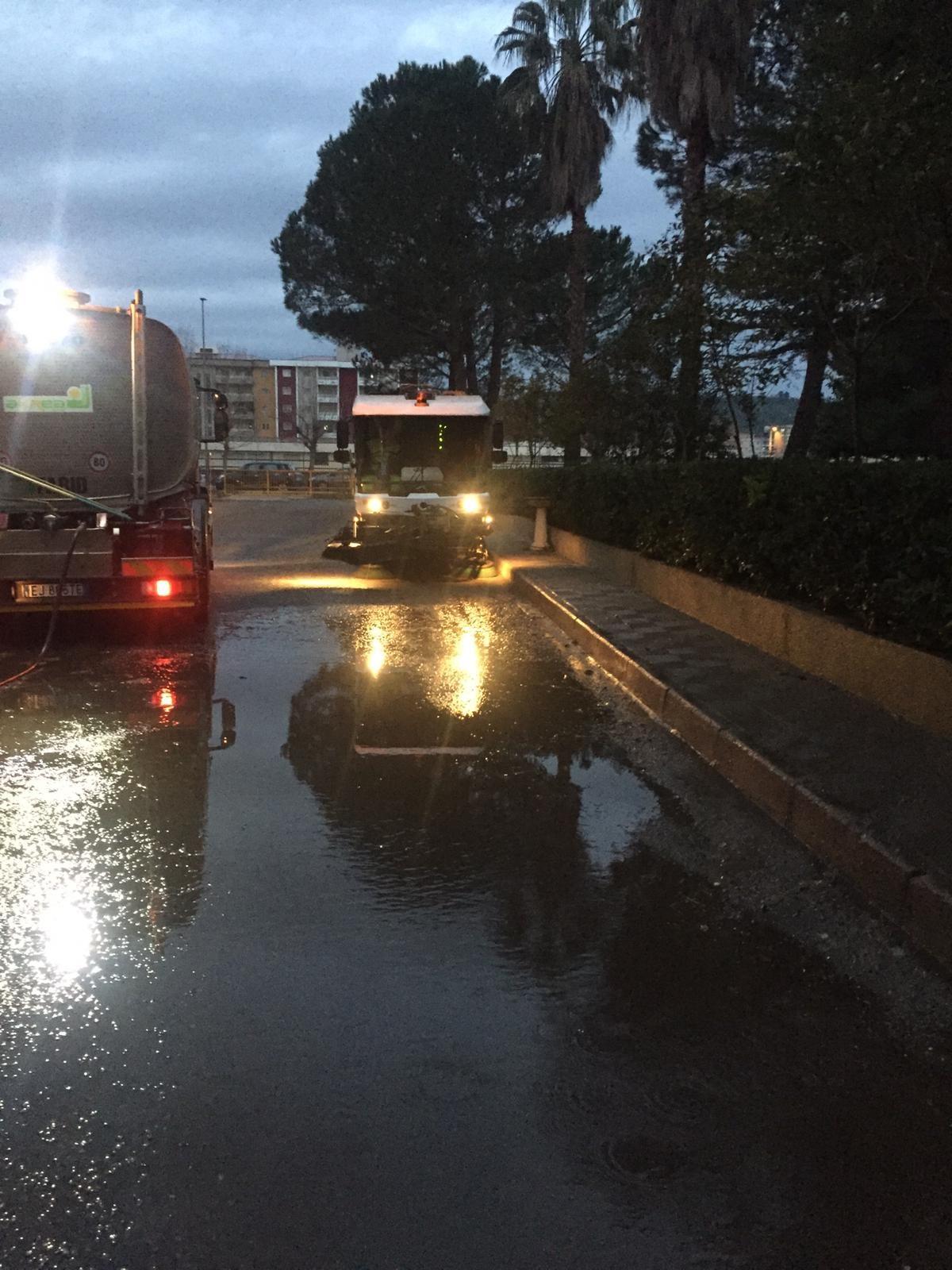 zona 8-lavaggio mezzi-via leoncavallo