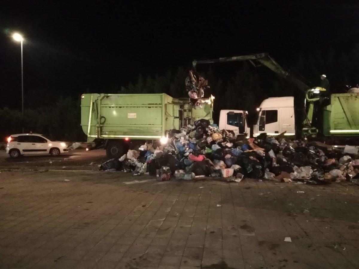 rimozione rifiuti zona Farina